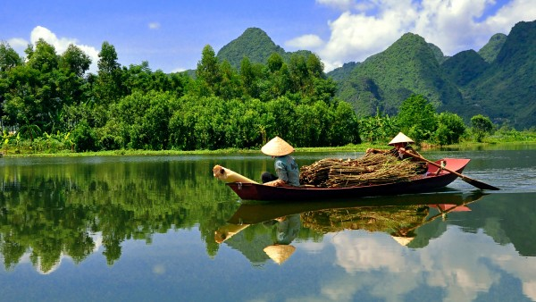 Learn about our Magnificent Mekong itinerary with Neil Barclay