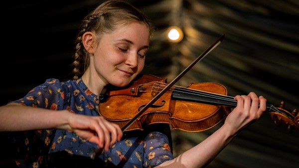 Sunday Sessions with composer, violinist and pianist Alma Deutscher