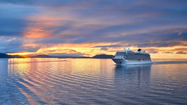 Explore our Into the Midnight Sun itinerary with Neil Barclay