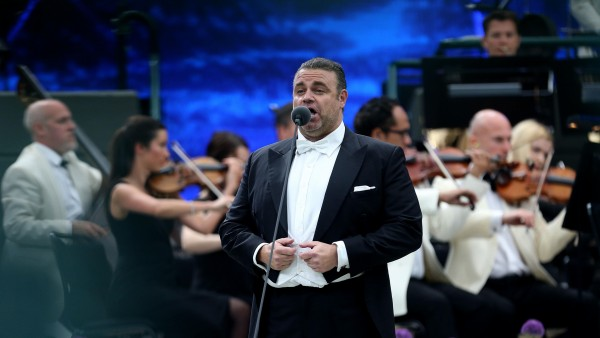 Anne Diamond interviews Maltese tenor Joseph Calleja
