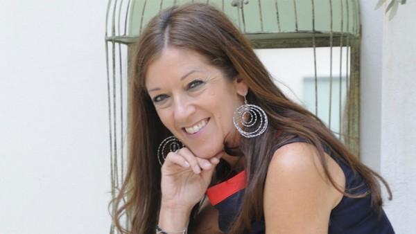 Anne Diamond interviews author Victoria Hislop