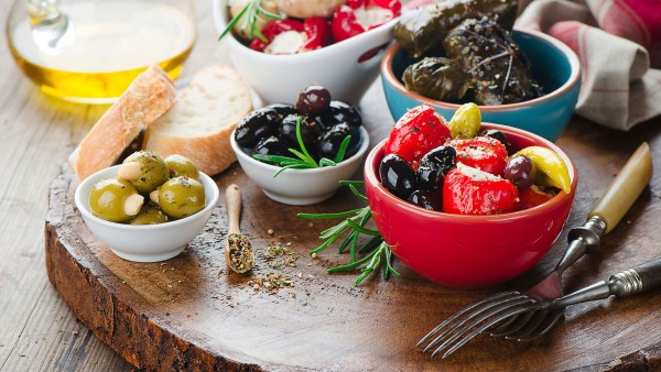 Uncover the secrets of the Mediterranean diet with Dr. Simon Poole
